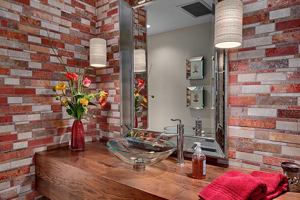 Beautifully Tiled Bath